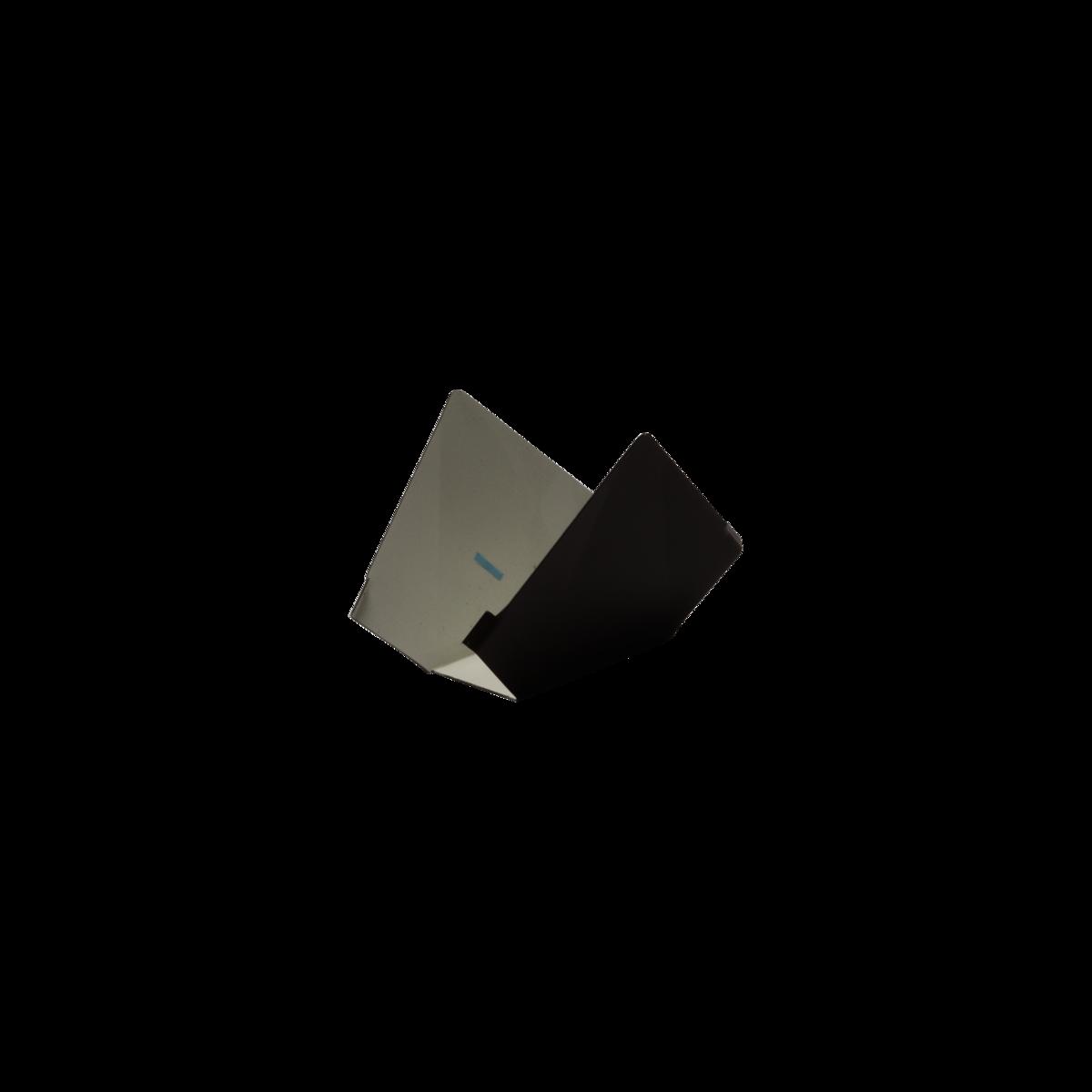 BC15032_3