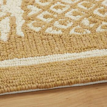 Coastal Living Seascapes™ Beige Pineapple Border Rug view 2