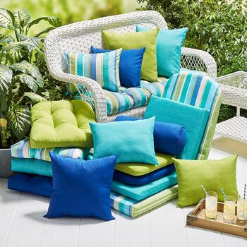 Indoor/Outdoor Pillows and Cushions