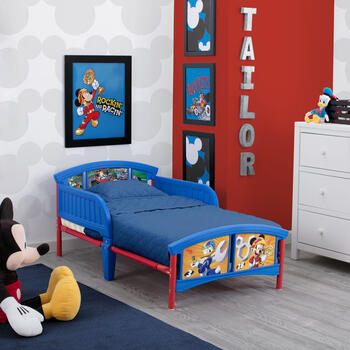 Mickey mouse toddler bedroom – Bedroom at Real Estate