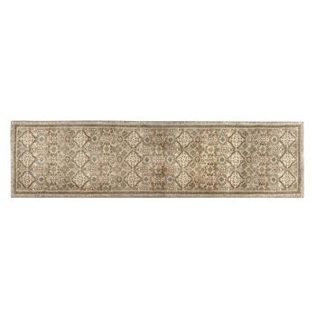 "2'1"" x 7'10"" Mohawk Home Natural Circle & Diamond Printed Runner"