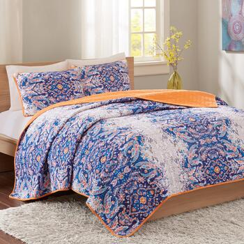 Blue Minet Reversible Quilt Set