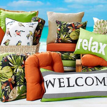 Indoor/Outdoor Cushions, Pads and Pillows - Christmas Tree ...