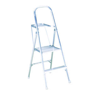 Werner  4 ft. H x 20 in. W Aluminum  Platform Ladder  200 lb. Type III