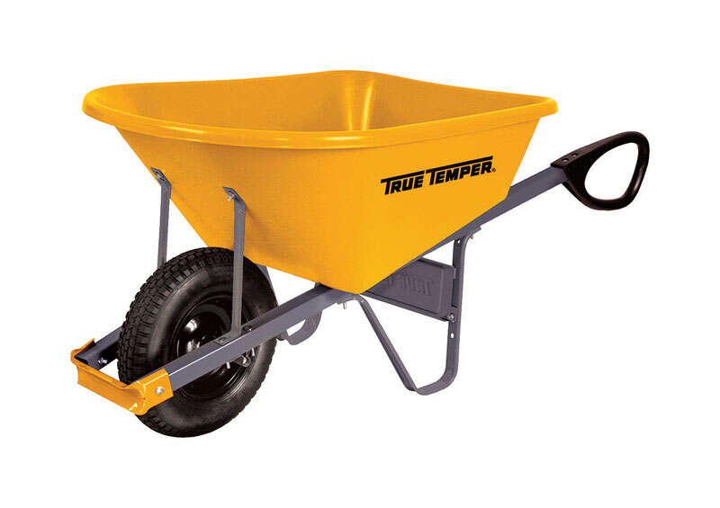 True Temper  Poly  Residential Wheelbarrow  6 cu. ft.
