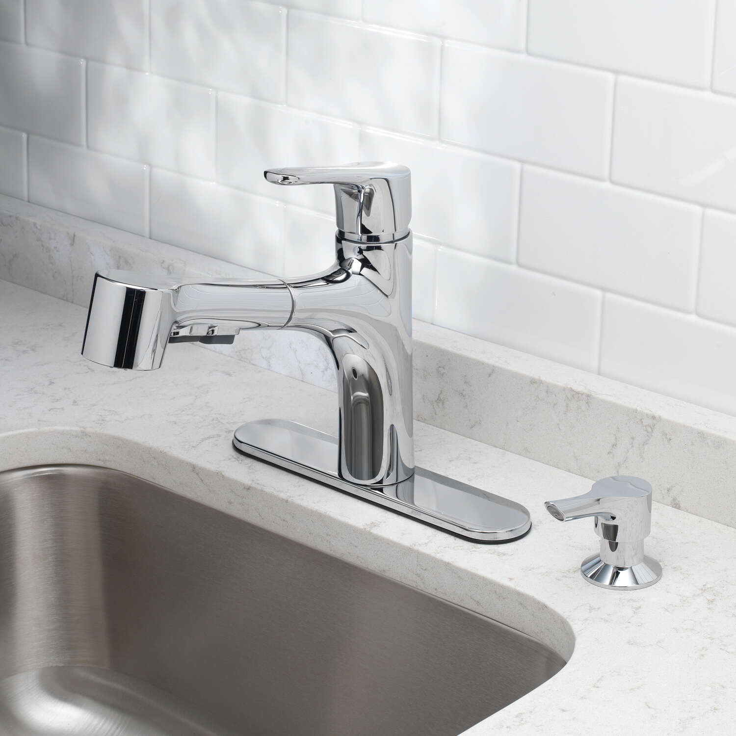 OakBrook  Tucana  Pull-Out  One Handle  Chrome  Pull Out Kitchen Faucet