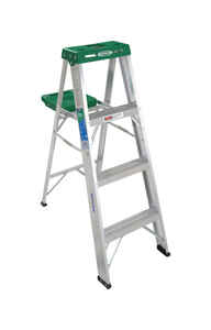 Werner  4 ft. H x 18.5 in. W Aluminum  Type II  Step Ladder  225 lb. capacity