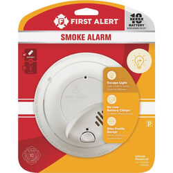 First Alert Battery-Powered Photoelectric Smoke Detector w/Escape Light