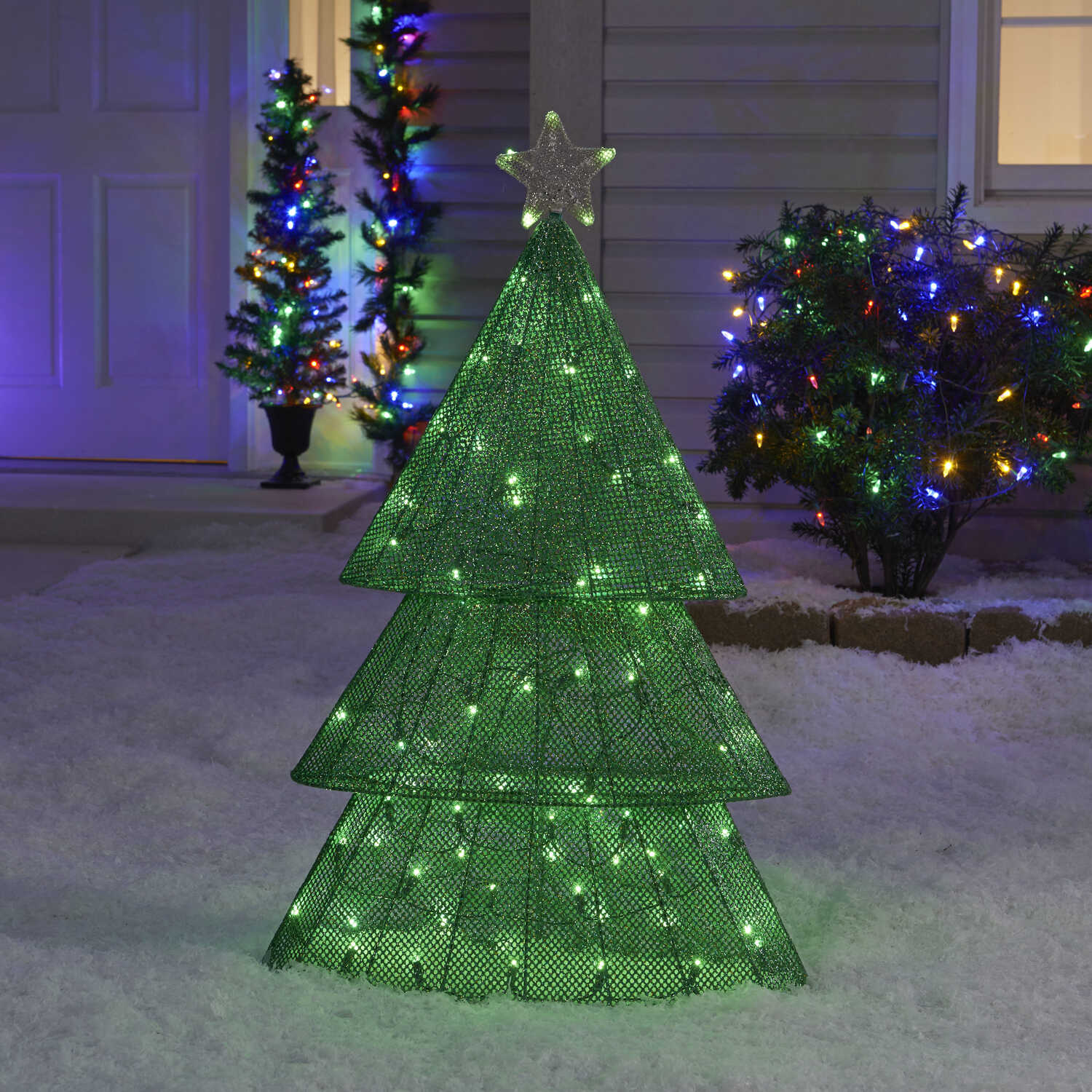 Sylvania  Illuminet  Tree  LED Yard Art  Green  Mesh  1 pk