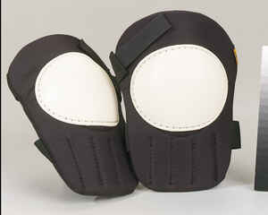 CLC  Foam/Polyester  Knee Pads  Black