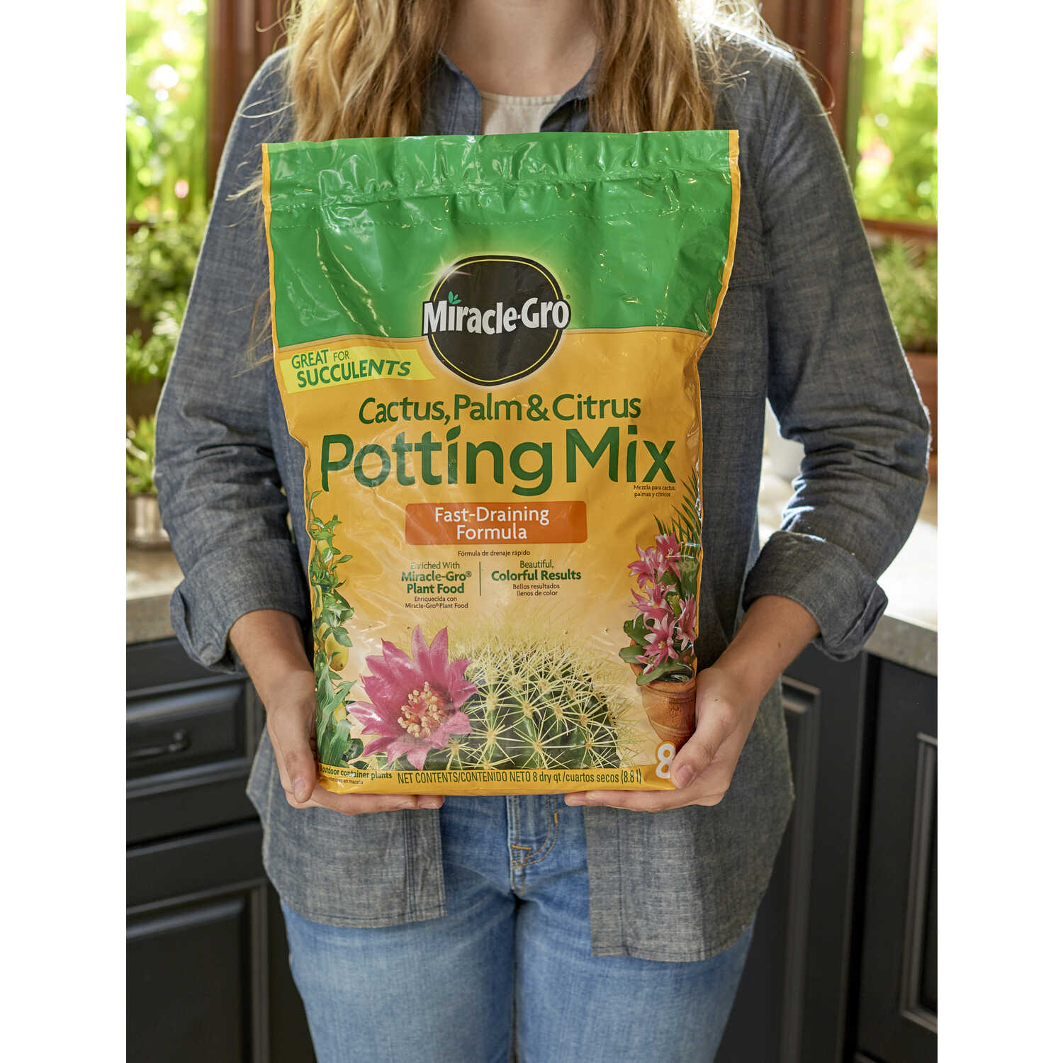 Miracle-Gro  Cactus, Palm & Citrus Soil  Potting Mix  8 qt.
