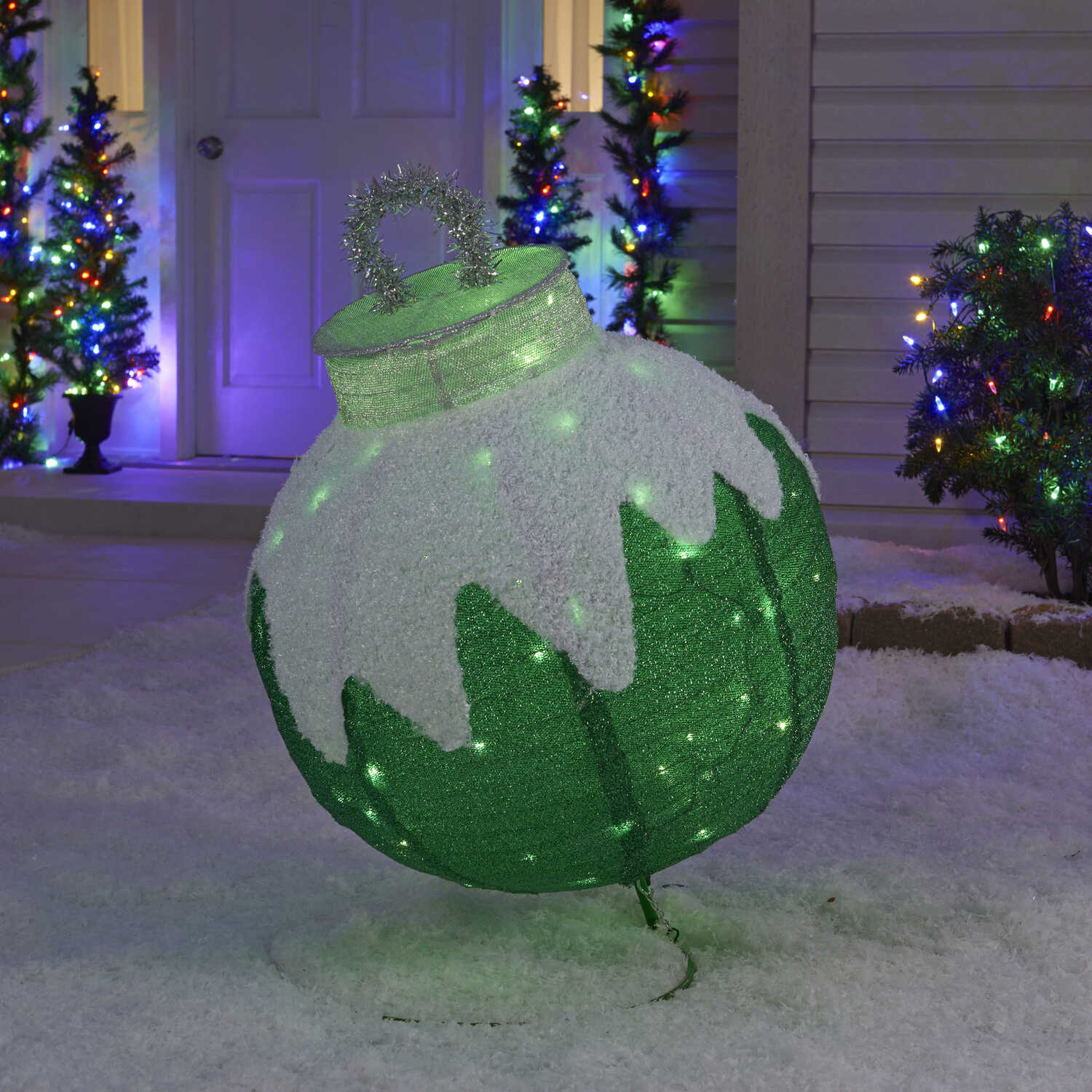 Sylvania  Illuminet  Ornament  LED Yard Art  Green  Mesh  1 pk
