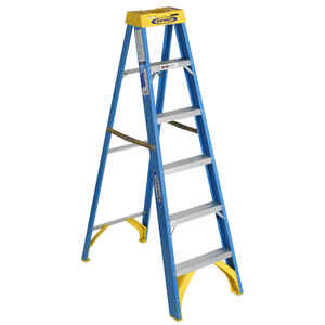 Werner  6 ft. H x 22 in. W Fiberglass  Type I  Step Ladder  250 lb. capacity