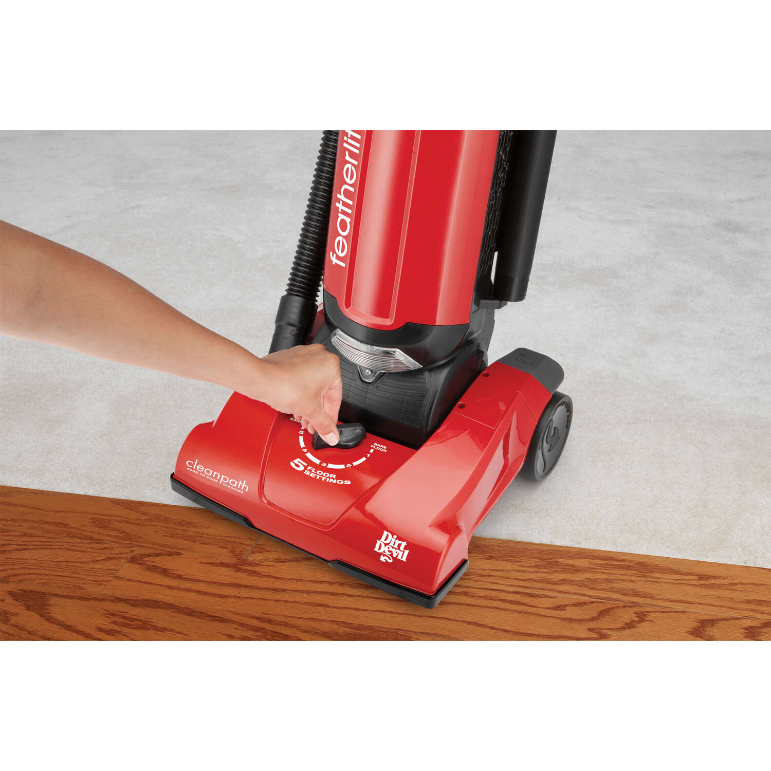 Dirt Devil  Featherlite  Bagged  Upright Vacuum  10 amps Filter Bag  Red