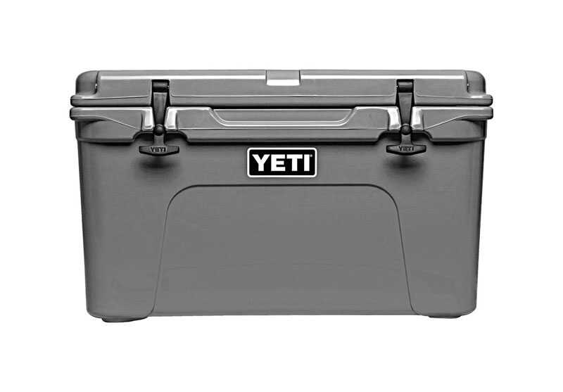 YETI  Tundra 45  Cooler  28 can capacity Charcoal