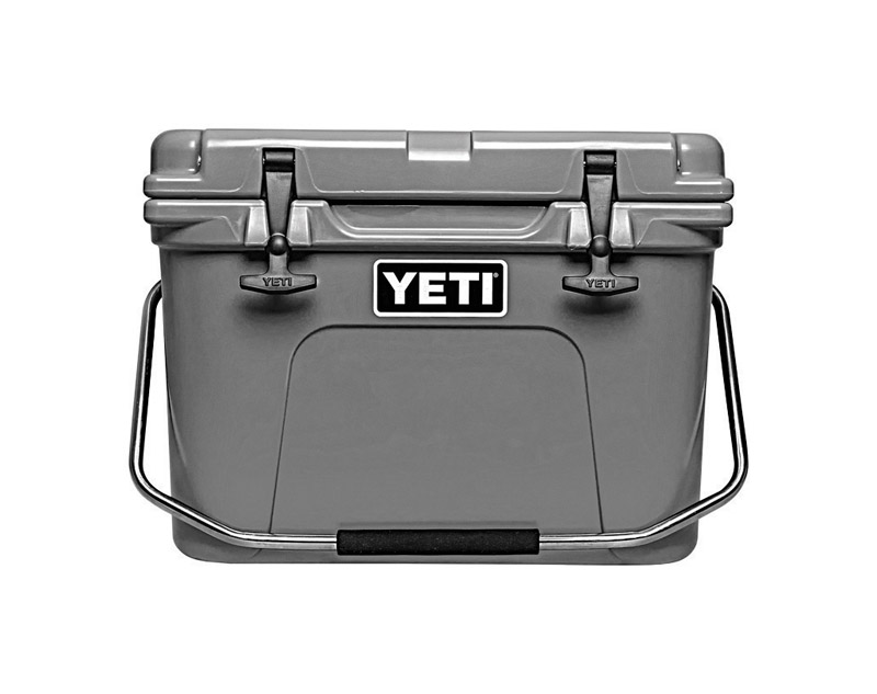 YETI  Roadie 20  Cooler  16 can Charcoal