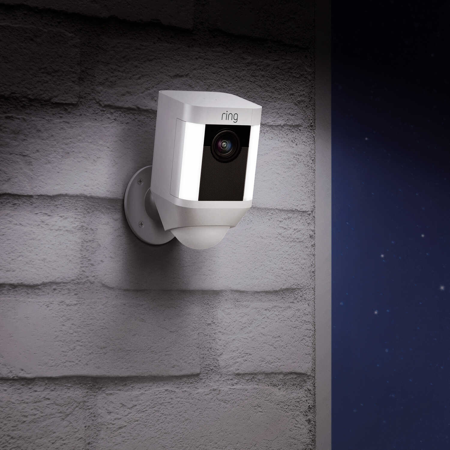 Ring  Spotlight Camera  Battery Powered  Outdoor  White  Wi-Fi Security Camera