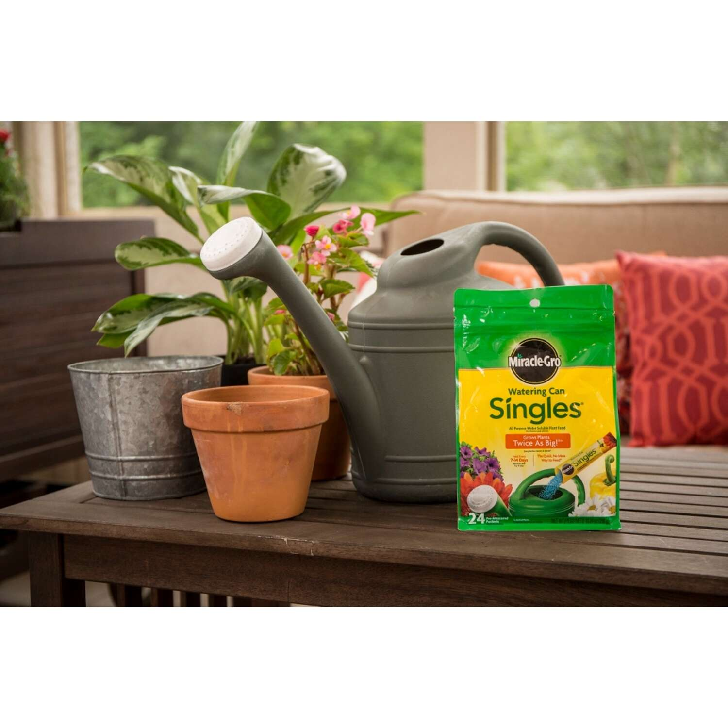 Miracle-Gro  Watering Can Singles  Powder  Plant Food  24 oz.