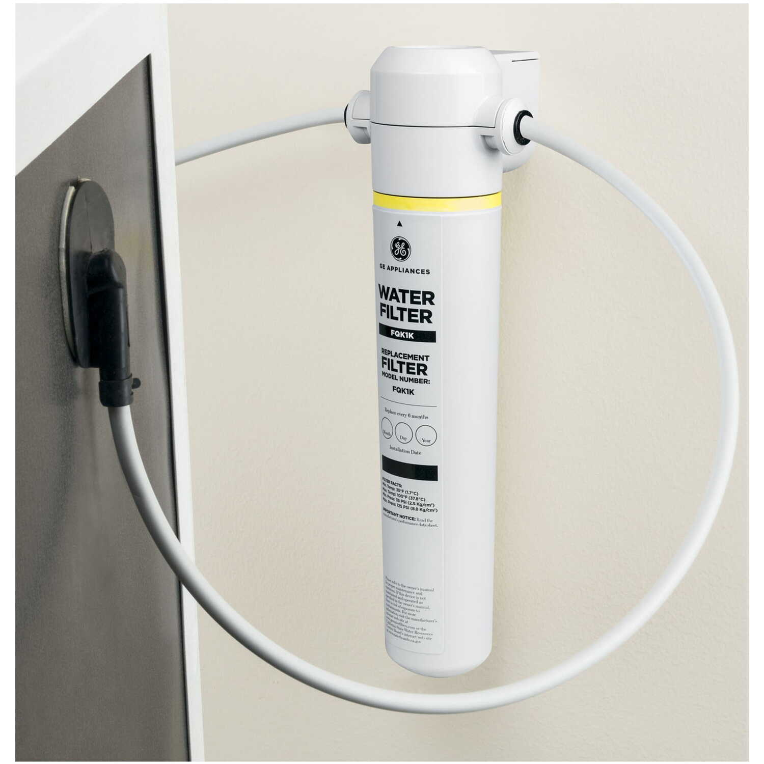 GE Appliances  Replacement Water Filter  150 gal.