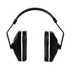 3M 20 dB Cup Ear Muffs Black 1 pk