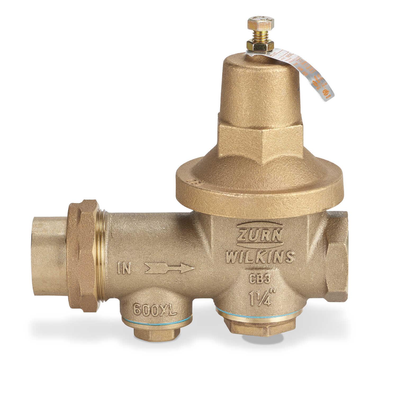 Zurn Wilkins 1-1/4 in  FNPT Union Water Pressure Regulator