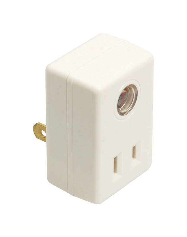 Amertac  White  Photoelectric  Plug In Light Control  1 pk