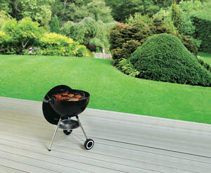 W Charcoal Black Kettle Grill