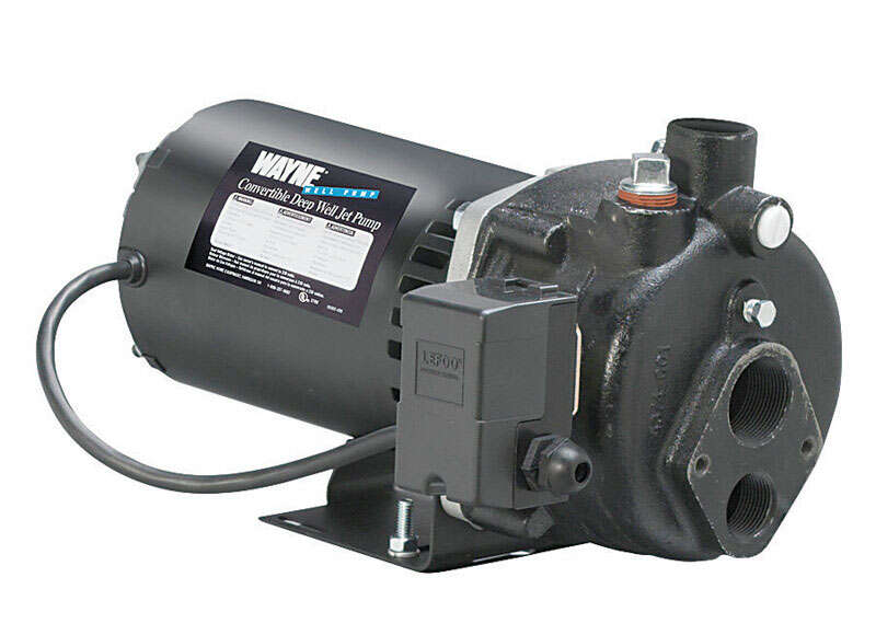 Wayne  1/2 hp 408 gph Cast Iron  Convertible Jet Pump