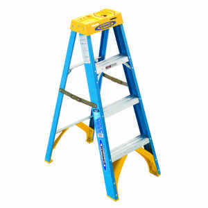 Werner  4 ft. H x 19 in. W Fiberglass  Step Ladder  Type I  250 lb. capacity