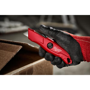 Milwaukee  5-3/4 in. Self-Retracting  Safety Knife  Red  1 pk