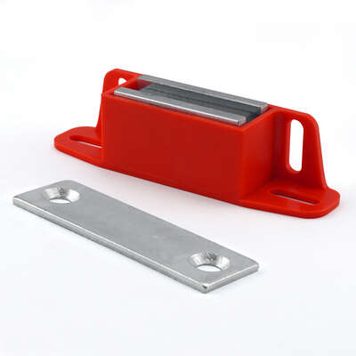 Master Magnetics 4.25 in. Ceramic Latch Magnet 50 lb. pull 3.4 MGOe Red 1 pc.