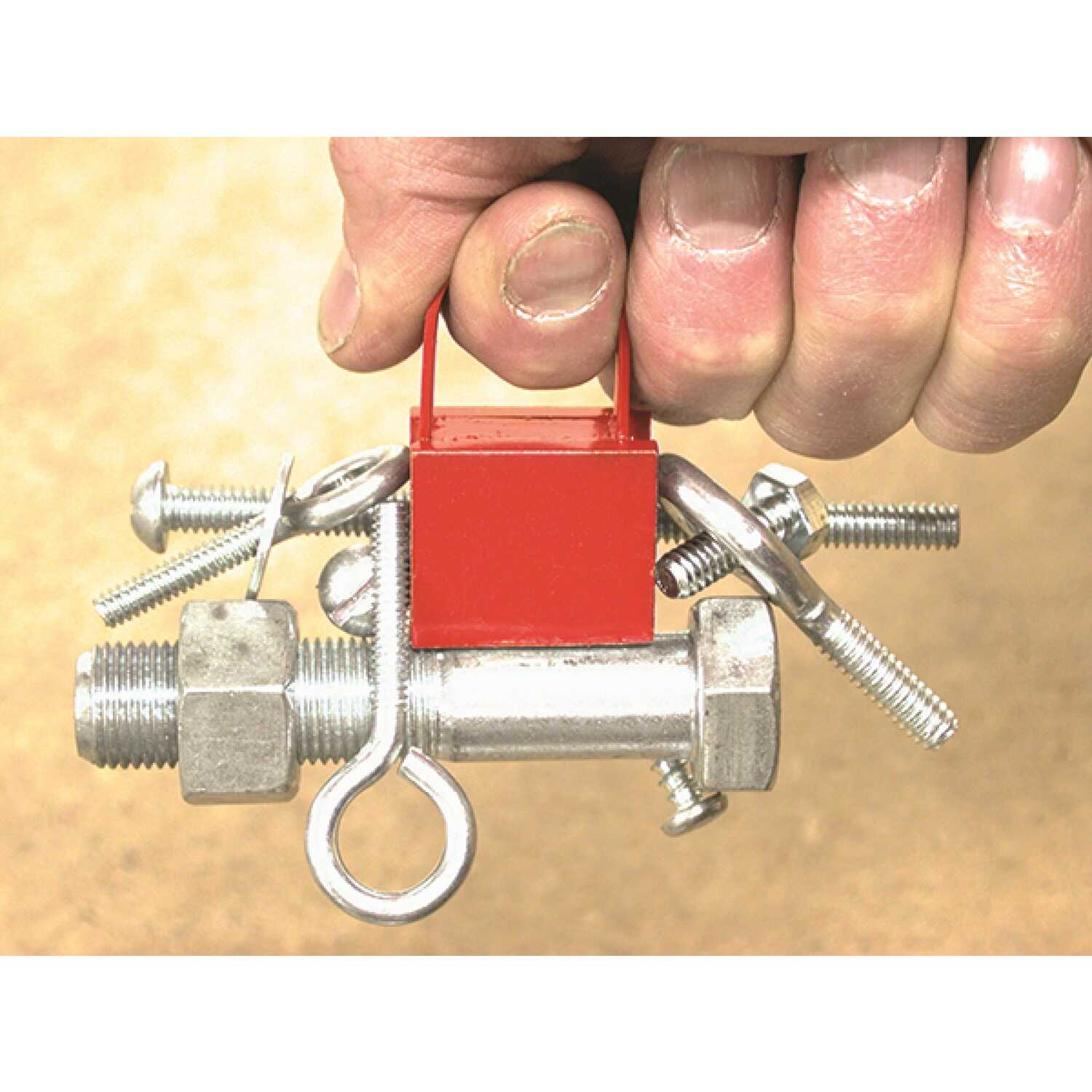 Master Magnetics  1 in. Ceramic  Handle Magnet  25 lb. pull 3.4 MGOe Red  1 pc.