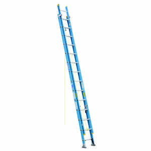 Werner  28 ft. H x 18.13 in. W Fiberglass  Extension Ladder  Type 1  250 lb.