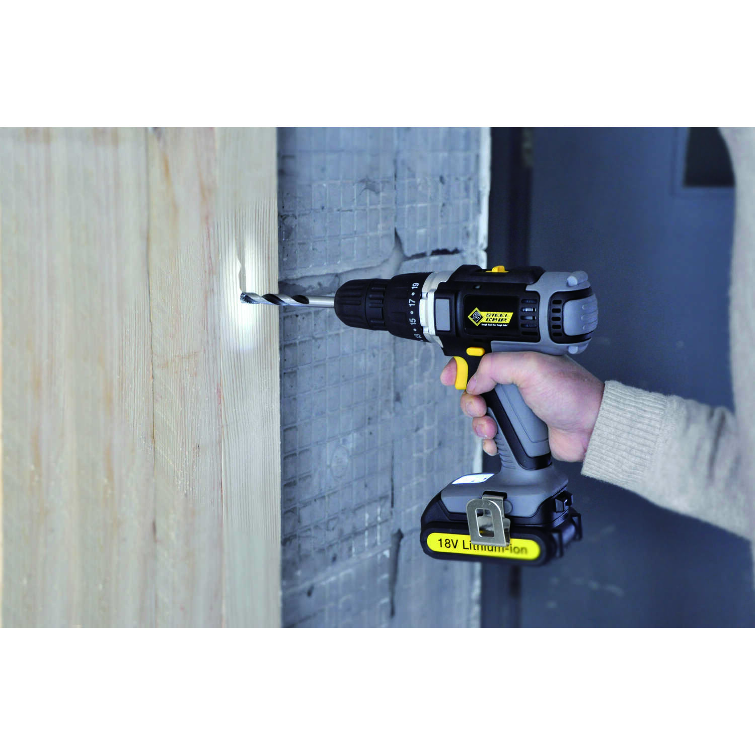 Steel Grip  18 volt 3/8 in. 1400 rpm Cordless Drill/Driver