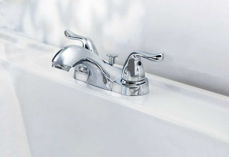 OakBrook  Pacifica  Pacifica  Chrome  Two Handle  Lavatory Pop-Up Faucet  4 in.