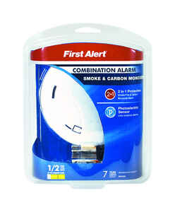 First Alert  Battery-Powered  Photoelectric  Smoke and Carbon Monoxide Alarm
