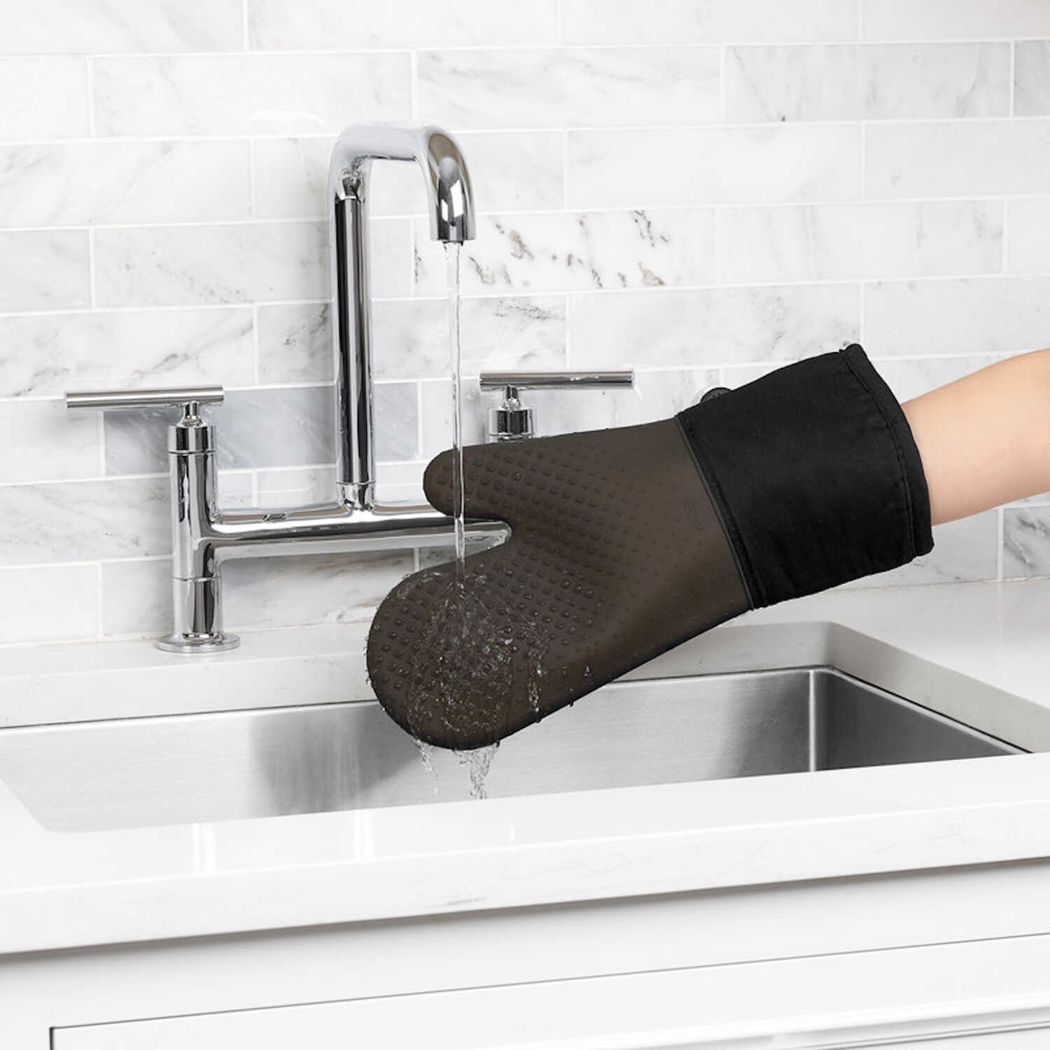 OXO  Good Grips  Black  Cotton/Silicone  Oven Mitt  1 pk