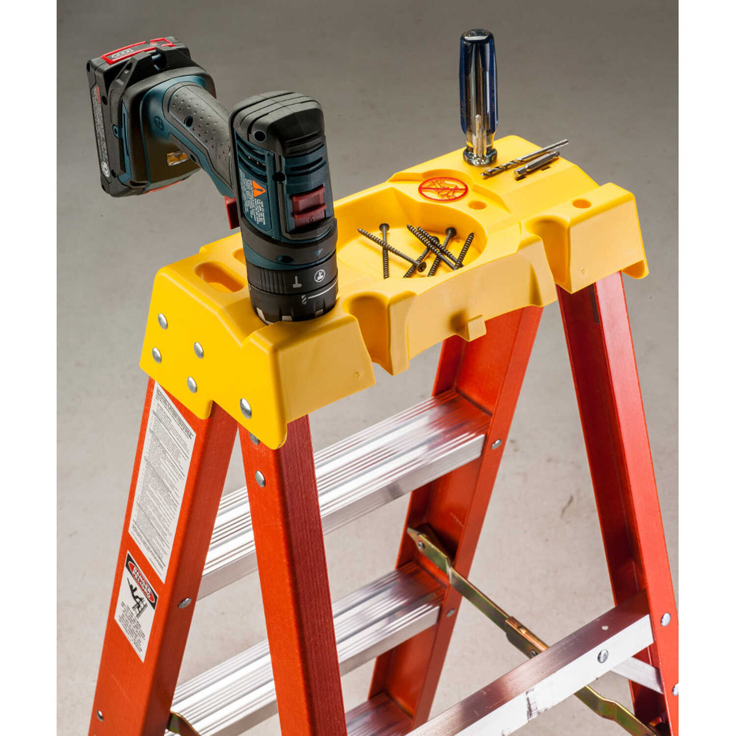 Werner  10 ft. H x 30.38 in. W Fiberglass  Step Ladder  300 lb. capacity Type IA
