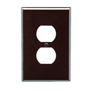 Leviton  Brown  1 gang Duplex Outlet  Plastic  1 pk Wall Plate