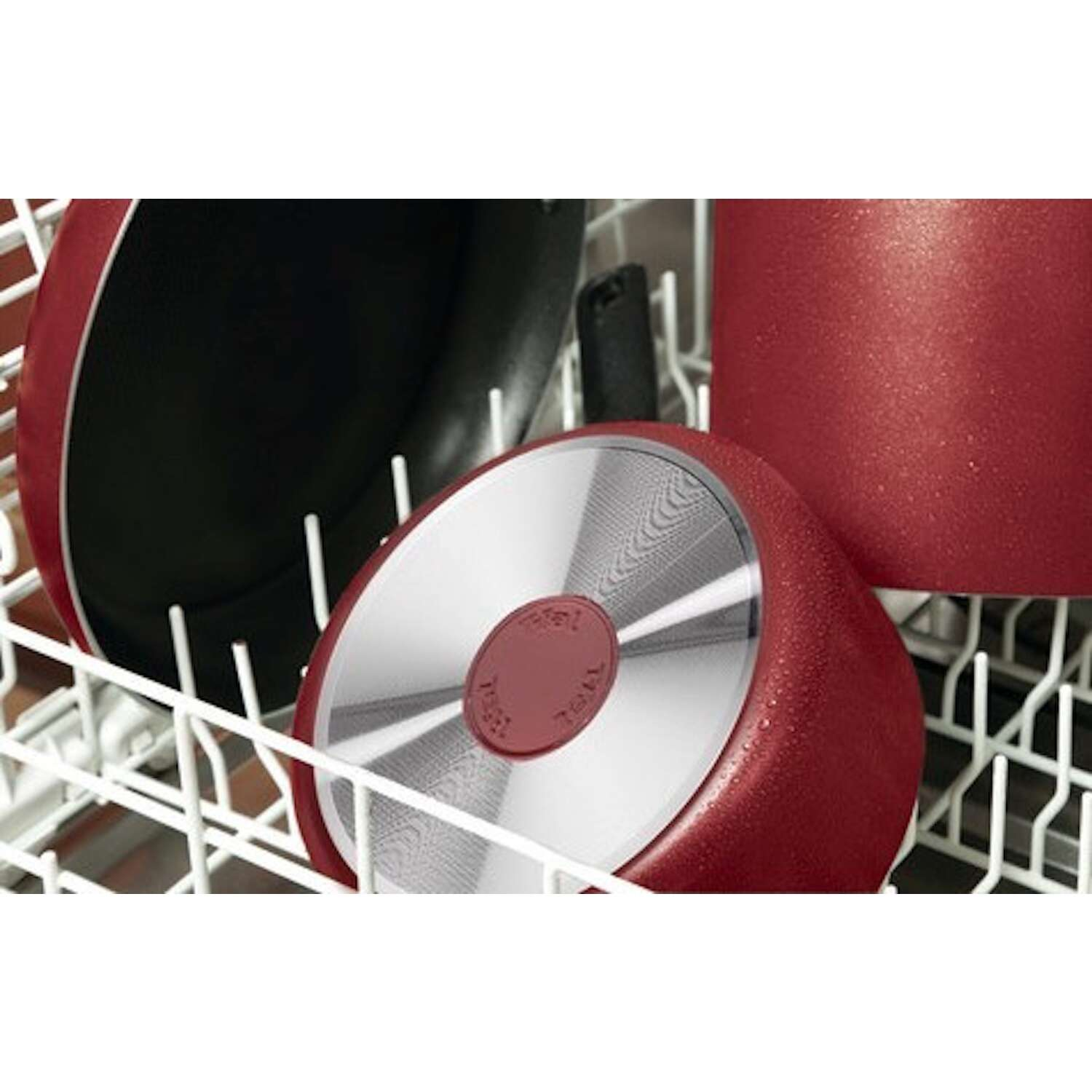 T-Fal  Excite  Aluminum  Fry Pan  11-1/2 in. Red