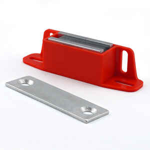 Master Magnetics  4.25 in. Ceramic  Latch Magnet  50 lb. pull 3.4 MGOe 1 pc. Red