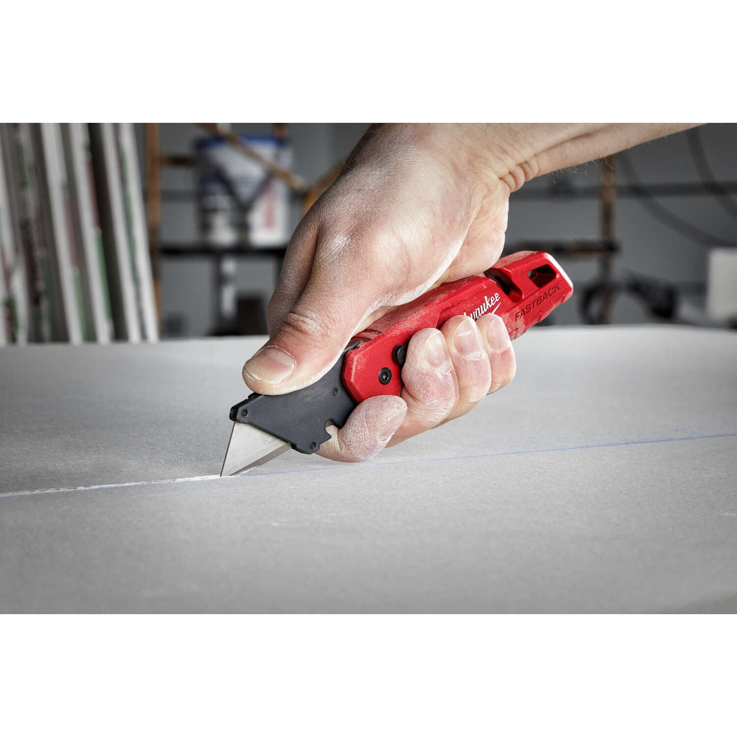 Milwaukee  Fastback  6-3/4 in. Press and Flip  Utility Knife  1 pk Red