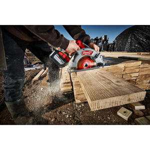 Milwaukee  M18 FUEL  7-1/4 in. 18 volt Cordless  Brushless Circular Saw  Kit 5800 rpm