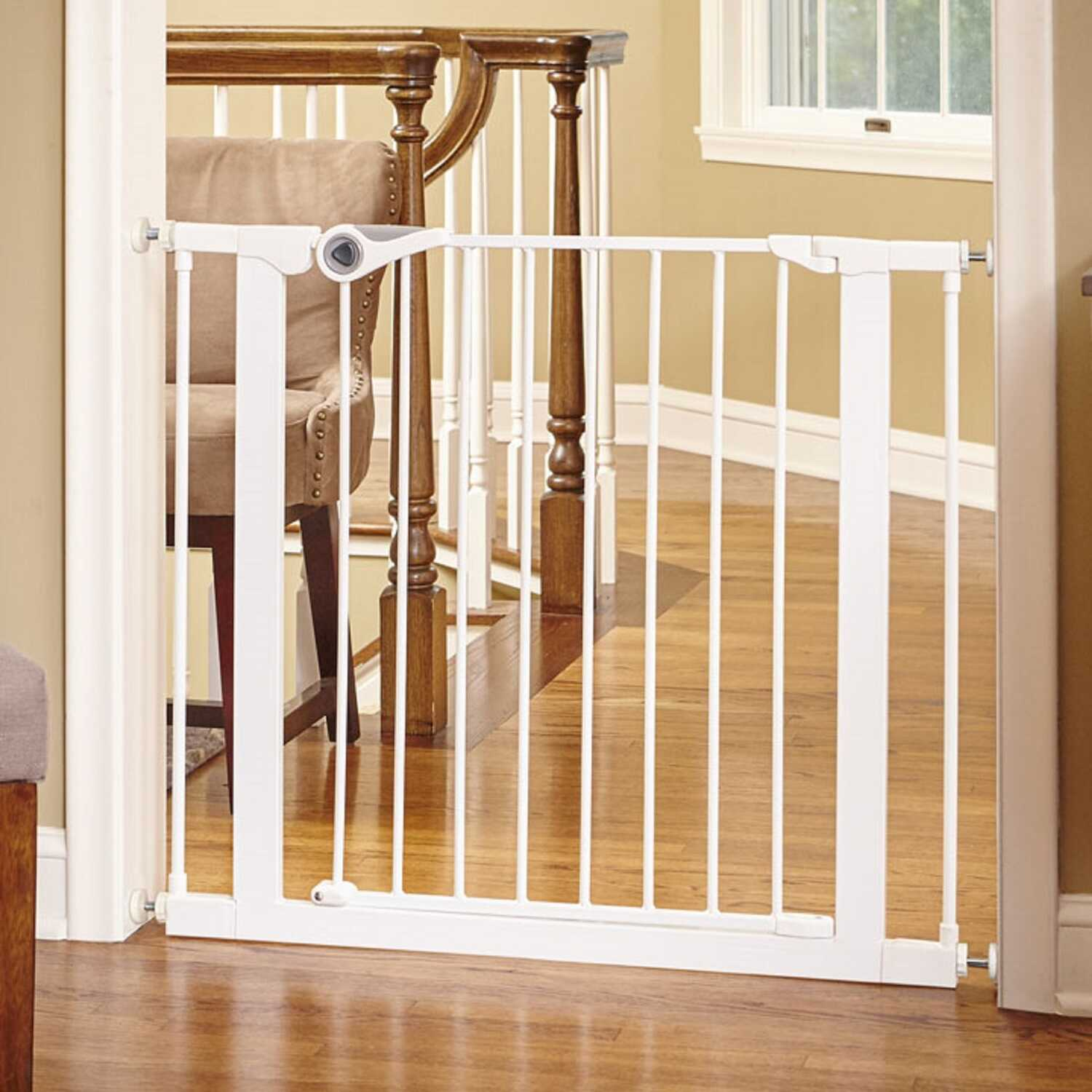 North States  White  30 in. H x 29.5-39 in. W Metal  Child Safety Gate