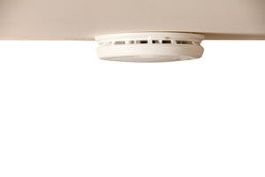 First Alert  Battery-Powered  Photoelectric  Smoke/Fire Detector