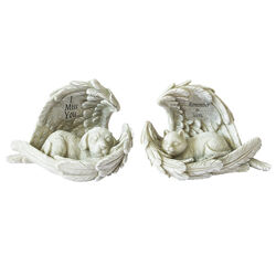 Meadow Creek  Polyresin  Gray  4.72 in. Dog/Cat Memorial  Statuary