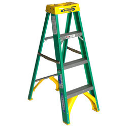 Werner 4 ft. H x 19 in. W Fiberglass Step Ladder Type II 225 lb. capacity