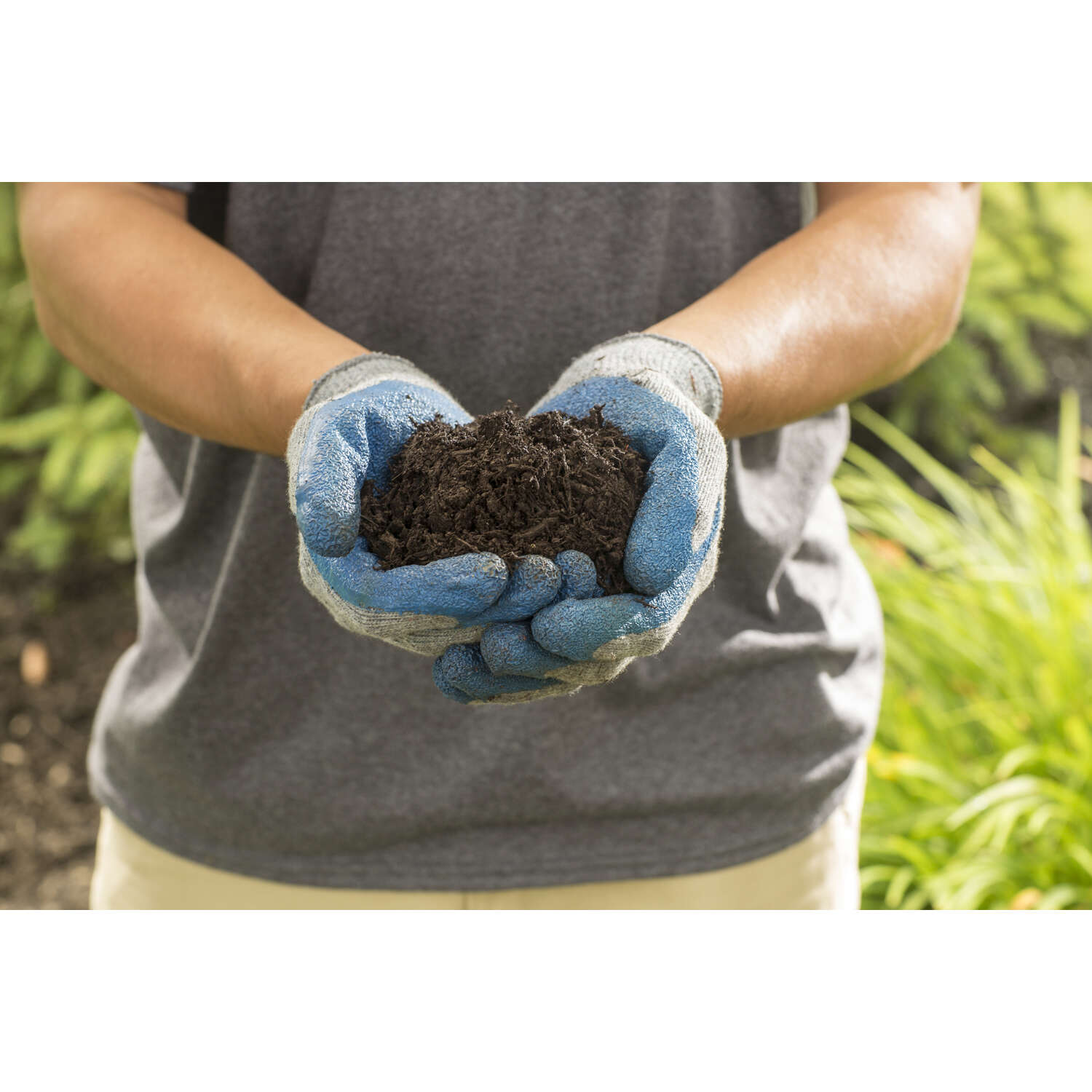 Scotts  Nature Scapes Triple Shred  Brown  Extra Fine  Color-Enhanced Mulch  1.5 cu. ft.
