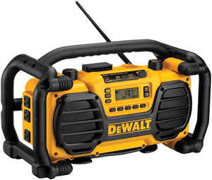 DeWalt  18 volt Ni-Cad  Worksite Radio and Charger  1 pc.