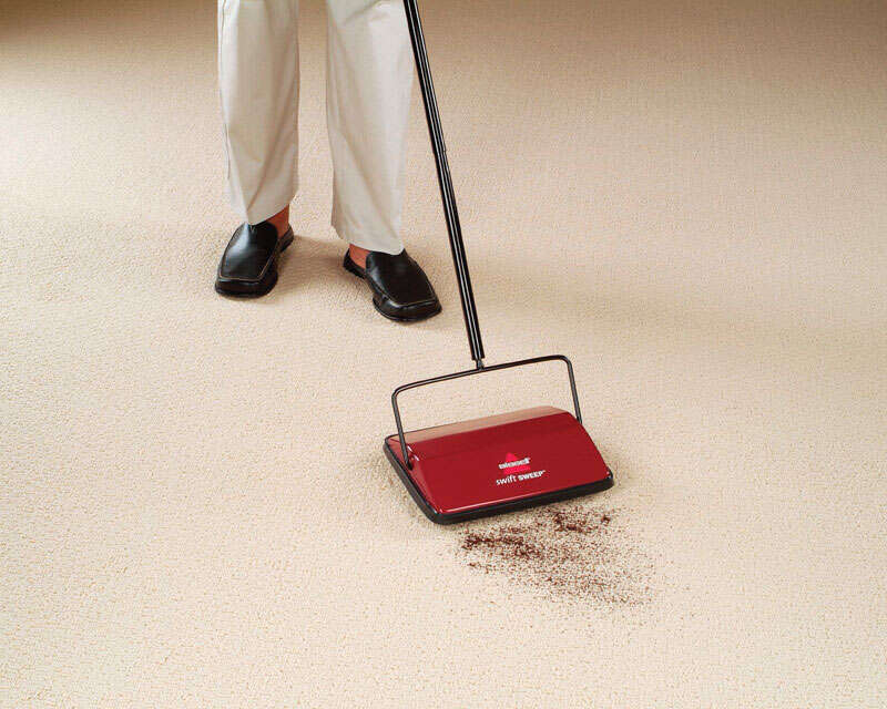 Bissell  Swift Sweep  Bagless  Mechanical Sweeper  Standard  Red
